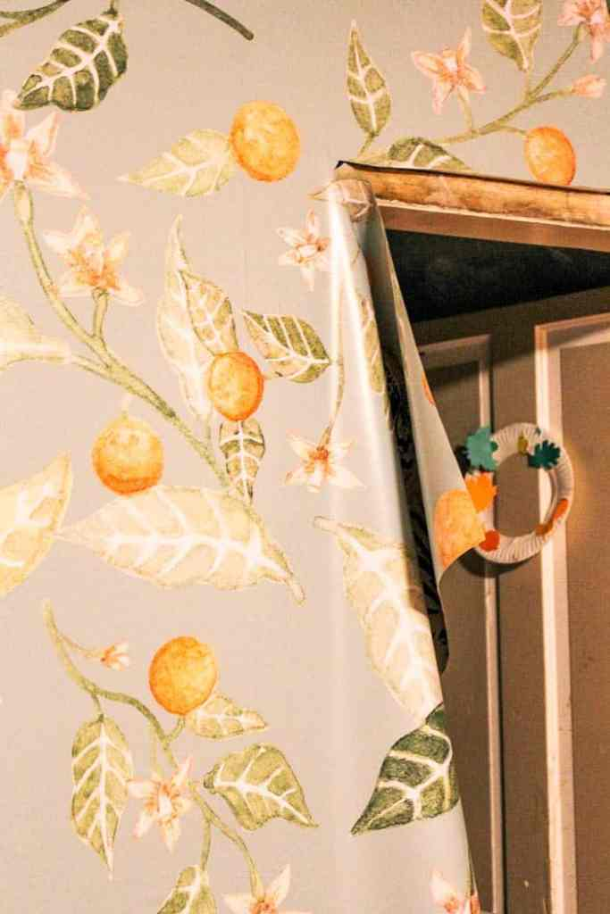 how to install removable wallpaper - a beginner's guide with a tutorial on video. Removeable or peel and stick wallpaper is great for renters in apartments! It works if you own your house too and looks beautiful in bedrooms, bathroom, nursery, dining room, and powder rooms. Click through for my best tips for how to hang. Its an easy DIY and I'll share how to get the patterns lined up straight