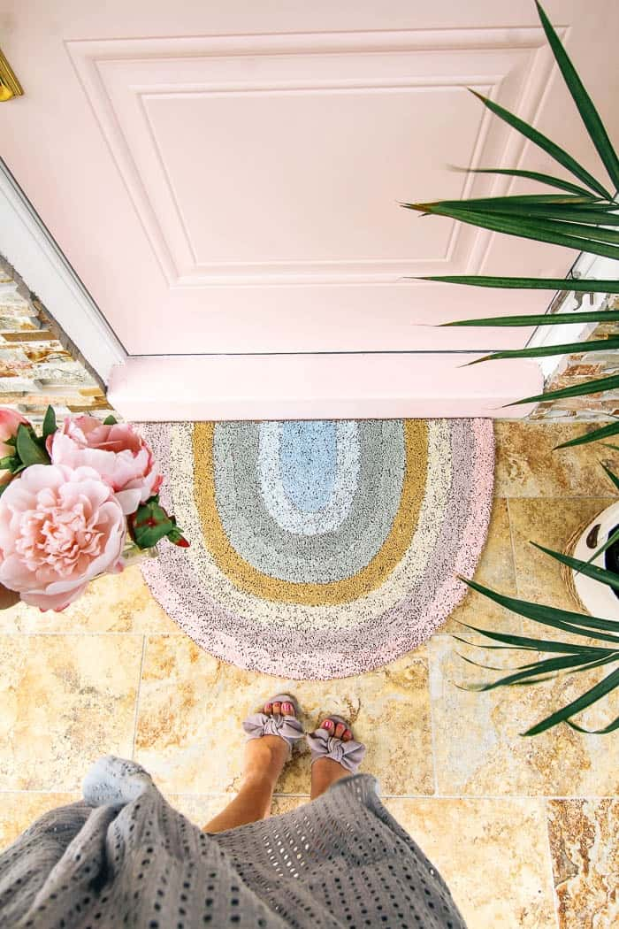 diy rainbow doormat. Herer's a tutorial for an easy way to add color to a porch! How to make a rainbow door mat for your doorway. Super cute painted decor for the front door