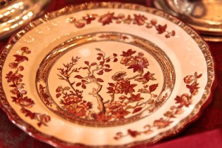The autumnal colors on these dinner plates complimented the decadent and vibrant Thanksgiving table.
