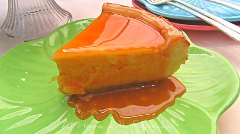 New York Cheesecake with Caramel Sauce