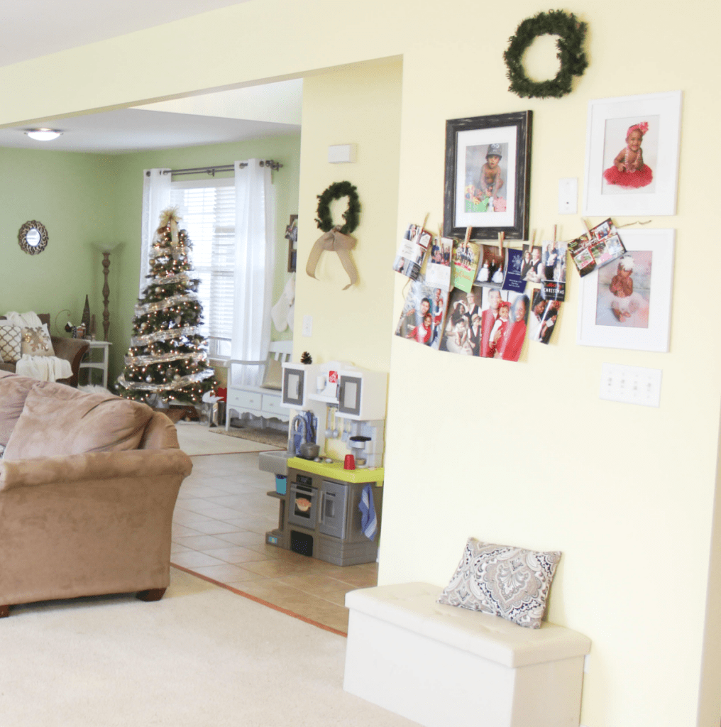 holiday-home-tour-photo-wall