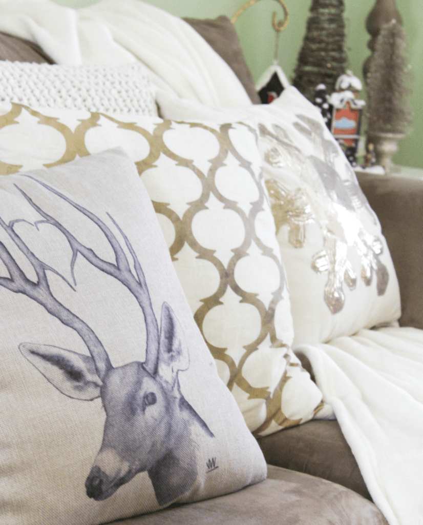 holiday-home-tour-deer-pillow