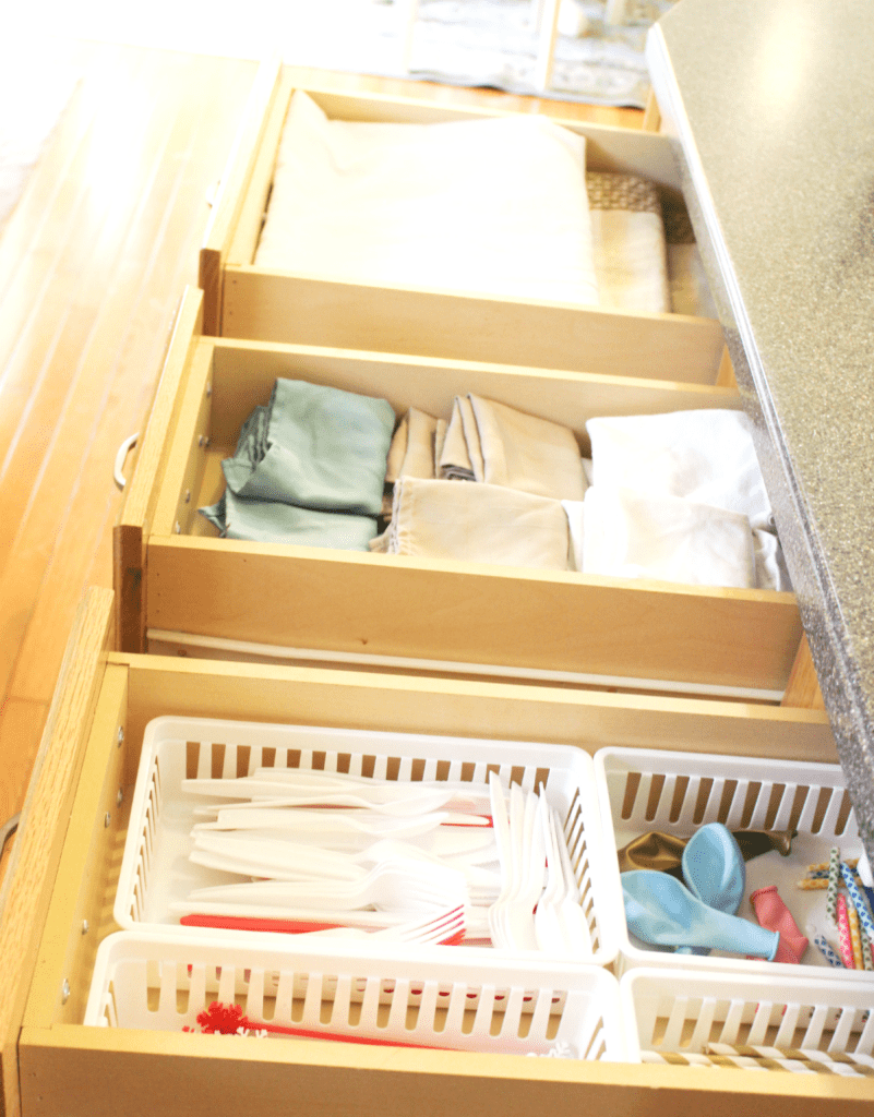 kitchen drawer organization - napkins - tablec;oths-disposables