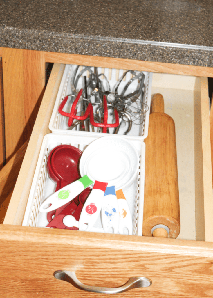 kitchen organization - baking drawer
