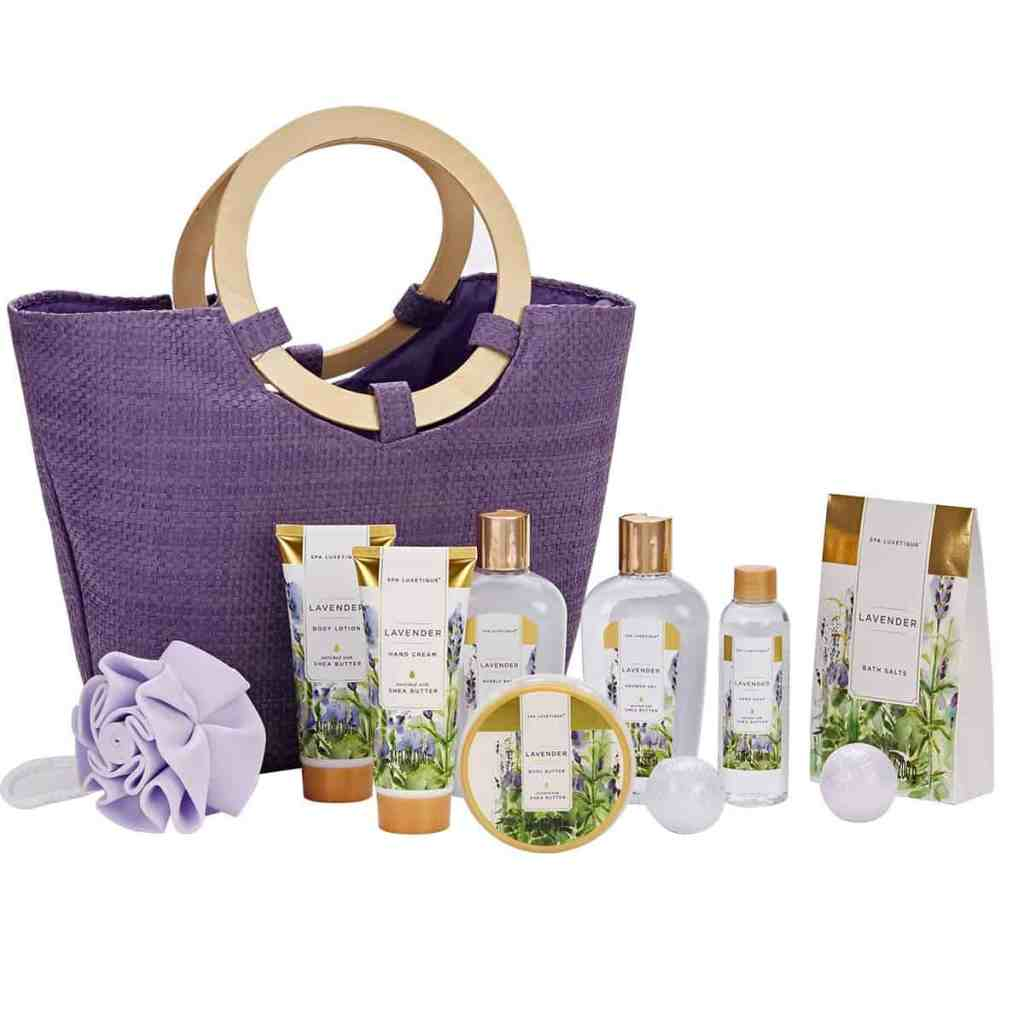 Christmas gift set for moms and homemakers