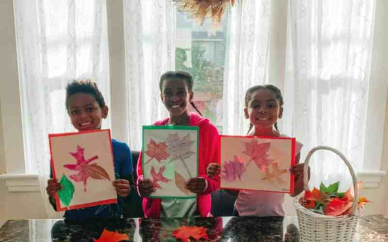 Fall Leaf Rubbing Art – Fall Activity for Kids