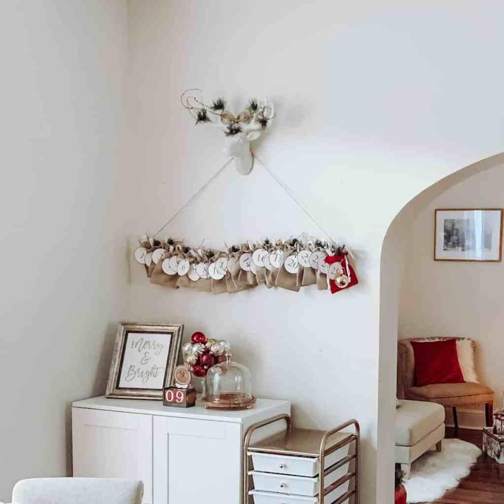 Advent-Calendar-Rustic-Advent-Calendar-Scandinavian-Advent-Calendar-Using-a-Tree-Branch-Advent-Calendar-Ideas-Christmas-Countdown-Calendars-Advent-Calendars-on-Pinterest-athomewithzan