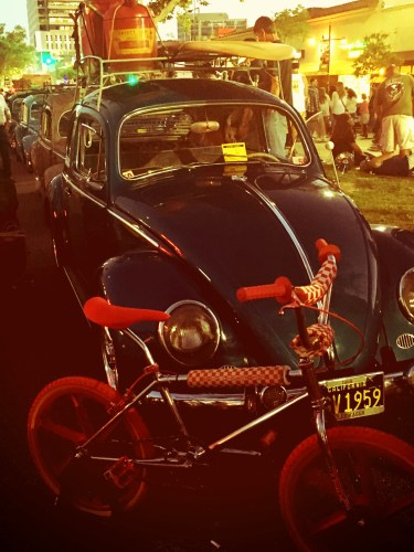 Cruise Night Glendale 2016 - vintage VW Beetle with surfboard 'cause California