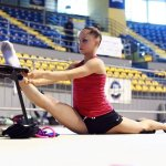 athlete-warm-up-streching