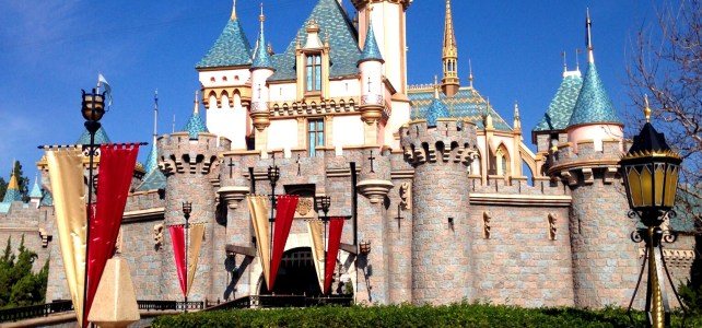10 Reasons to Visit Disneyland