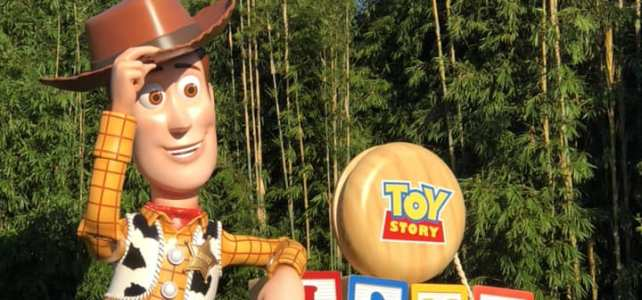 Early Morning Magic – Toy Story Land