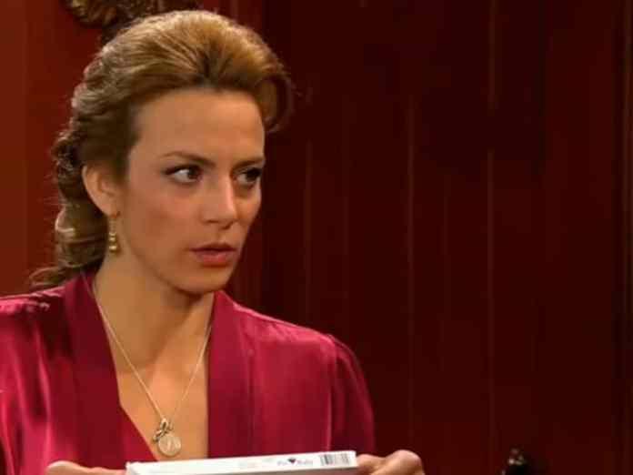 Silvia Navarro como Renata em 'Quando me Apaixono' (SBT)