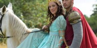 Lizabeta (Adriana Birolli) e Jacques (Leandro Lima) em 'Belaventura'