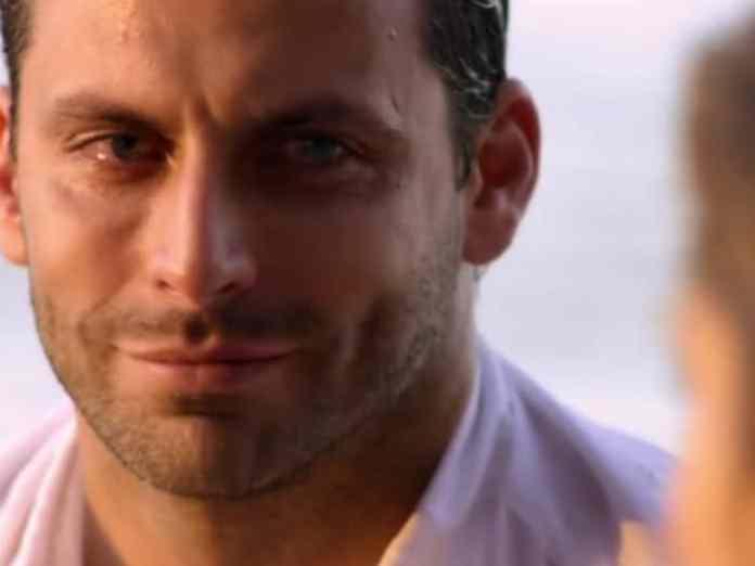 Henri Castelli interpretando Cassiano em 'Flor do Caribe' (Globo)