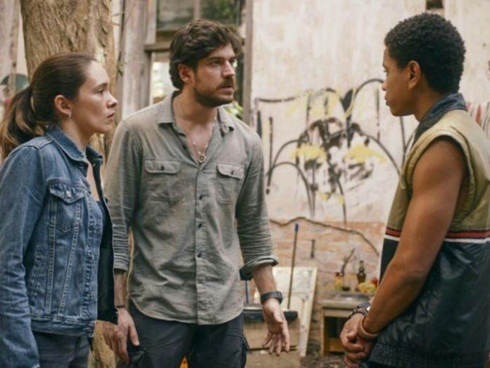 Cenas da série brasileira 'Cidade Invisível' (Netflix)