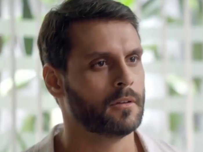 Felipe Cunha interpretando Antonio em 'Topíssima' (Record)