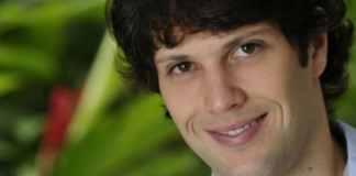 Gustavo Leão como Osmar em 'Tit-Ti-Ti' (Globo)