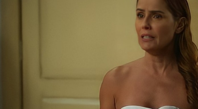 Deborah Secco interpretando Alexia em 'Salve-se Quem Puder' (Globo)