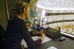 Joburi de translator in institutiile europene – salariu de peste 4.000 EUR pe luna