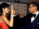 Dupa bataia incasata de la Chris Brown,Rihanna primeste o palma si de la Jay Z