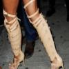 Rihanna impune moda verii la sandale
