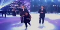 Halucinant – O femeie arunca cu oua in juratii concursului britanicii au talent
