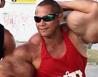 Cei mai mari bicepsi falsi din lume