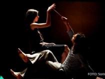 Astăzi este spectacol de teatru non-verbal… la New York