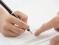 Fetita de 5 ani obligata sa semneze un contract prin care sa promita ca nu va ucide pe nimeni