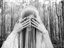 Un barbat a divortat din cauza ca sotia sa era posedata de un spirit malefic