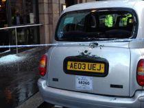 Taxi distrus de politisti dupa o alarma falsa cu bomba