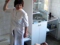 Psihoterapeutii rusi isi biciuiesc pacientii ca parte din tratament