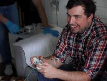 """Joc video cu adevarat """"sangeros"""": jucatorilor li se preleva sange de fiecare data cand pierd"""