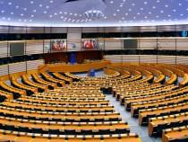 Mai mult de 1000 de persoane din Parlamentul European au fost expuse la azbest