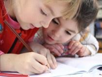 Cum sa iti ajuti copilul sa invete mai usor limba engleza?