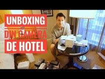UNBOXING ÎN CAMERA DE HOTEL – NEW YORK