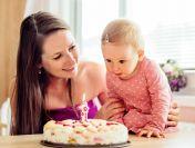 Ce să dăruim copilului la prima sa zi de naștere ?