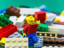 Investițiile în jucării Lego, cele mai profitabile, arată un studiu al unor cercetătoare din Rusia