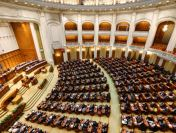 Parlamentarii USR demisionează ca să nu beneficieze de pensie specială. Ciolacu, pe urmele lor