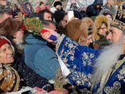Arhiepiscopul Tomisului exportă încălcarea regulilor sanitare și la Suceava