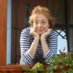 """Maria Zărnescu, critic de teatru recompensat cu Premiul UNITER: """"Cu sau fară cortină până la urmă, ne lipsește acest act de receptare, de a participa fizic la el"""""""