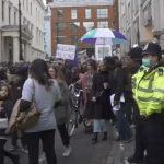 Londra: Un șofer a intrat cu mașina într-un grup de pietoni | AUDIO