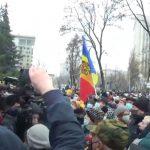 Protest la Chișinău, după ce socialiștii au cerut să subordoneze Parlamentului Serviciul de Informații | VIDEO