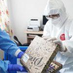 Toate vaccinurile anti COVID au fost ambalate, primar, în cutii de pizza/Marți, o cutie a scăpat neacoperita