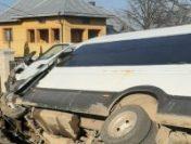 Suceava: Microbuzul școlar implicat în accidentul cu 23 de răniți, modificat fără vreun aviz de specialitate