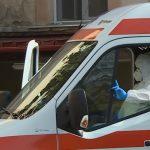 Un bărbat a ajuns la spitalul din Roman cu un deget secționat. A fost trimis la Iași pentru operație, dar echipajul a uitat să ia și degetul