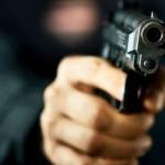 Cioban din Olt, amenințat cu arma de doi paznici de vânătoare | AUDIO