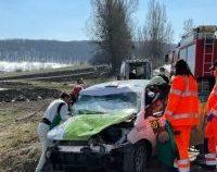 Accident grav la Raliul Brașovului. Mașina pilotată de echipajul bulgar a lovit un cap de pod și a ieșit în decor