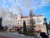 Incendiul de la Prefectura Suceava a fost stins | AUDIO