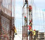 Noi măsuri de protecție pentru românii care muncesc în străinătate, adoptate de Guvern | AUDIO